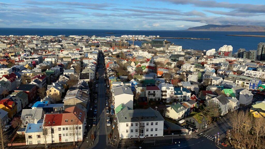 Docabroad IJsland uitzicht over de stad